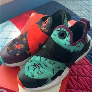 Nike Hurache Extreme (GS) size 5.5 US